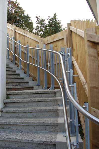 Curved Inclined Platform Lift