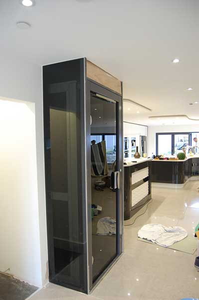 Modern Glass Home Lift
