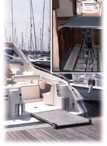 Specialist Boat Lift for Berthon Boat Company
