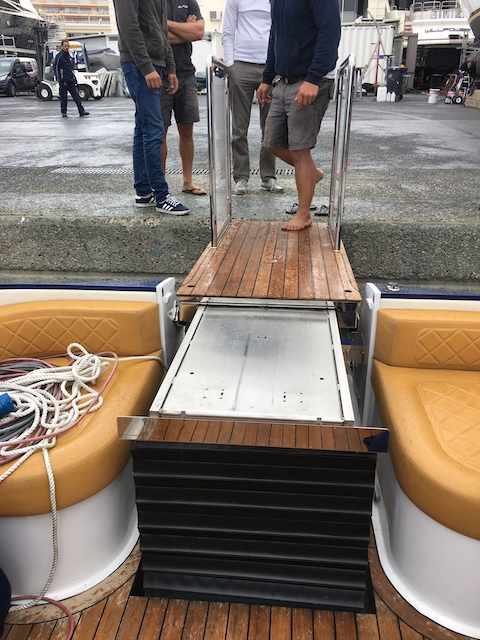 Lift on boat fully traversed to quayside