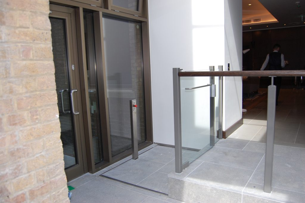 Step Lift in the garden of the Devonshire Club