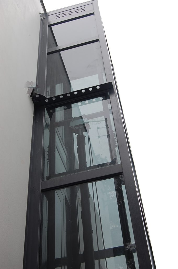 Smoked Glass External Lift Structure