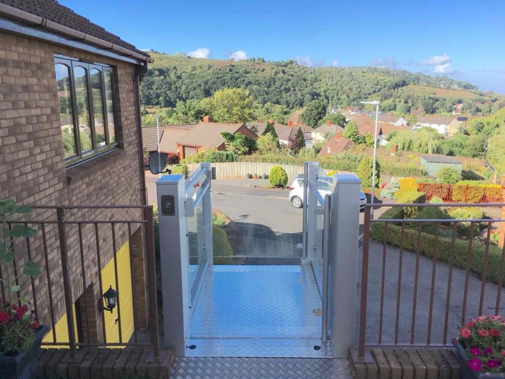 External Glass Platform Lift