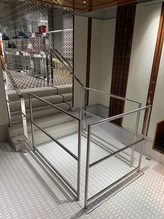 Hidden lift with detachable handrails